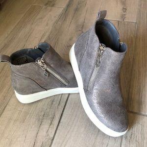 Skechers Chukka Boots - 7